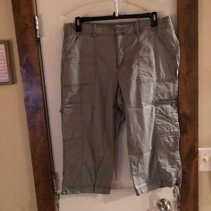 StJohn'sBay Gray/Green Capris-Carpenter Style-Sz16